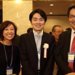 東京支部「同窓生の集い」で杉尾氏、高瀬氏とご一緒の小西さん。